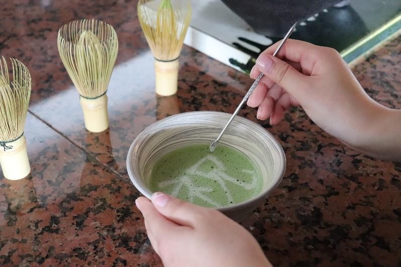 【うぶやお茶会】人生を祝う抹茶にあ~と の会~Green Tea Art~